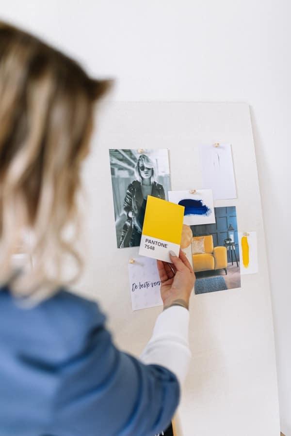 Van merkidentiteit naar een visueel merkconcept voor je huisstijl